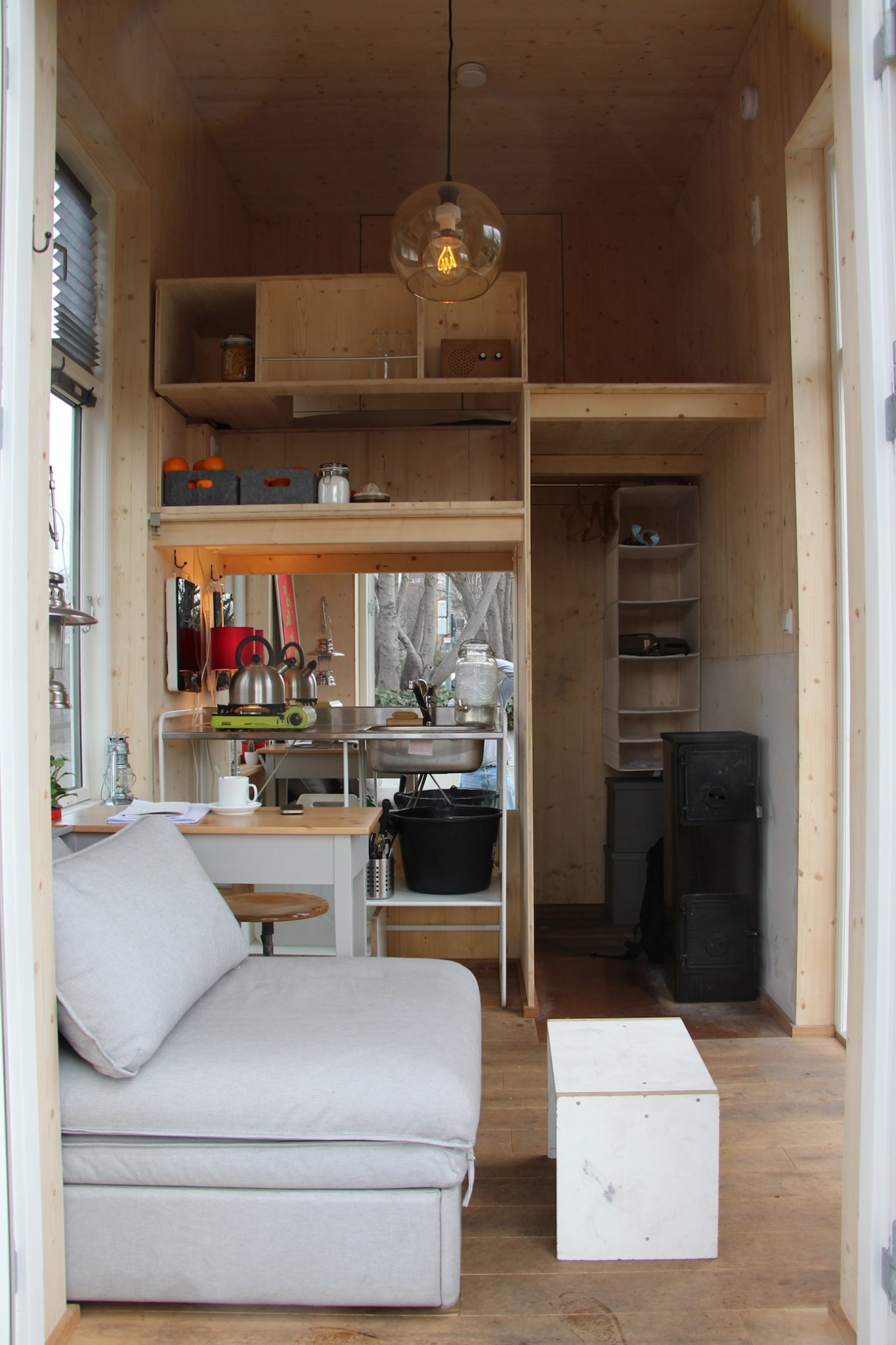 van bo le mentzel tiny house frontal. Black Bedroom Furniture Sets. Home Design Ideas